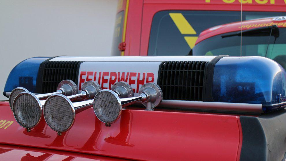 Die Feuerwehr im Einsatz. Symbolfoto: Pixabay / Antranias