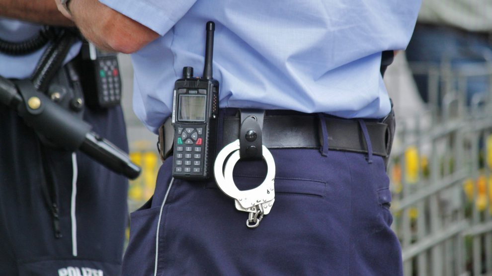 Die Polizei im Einsatz. Symbolfoto: Pixabay / cocoparisienne