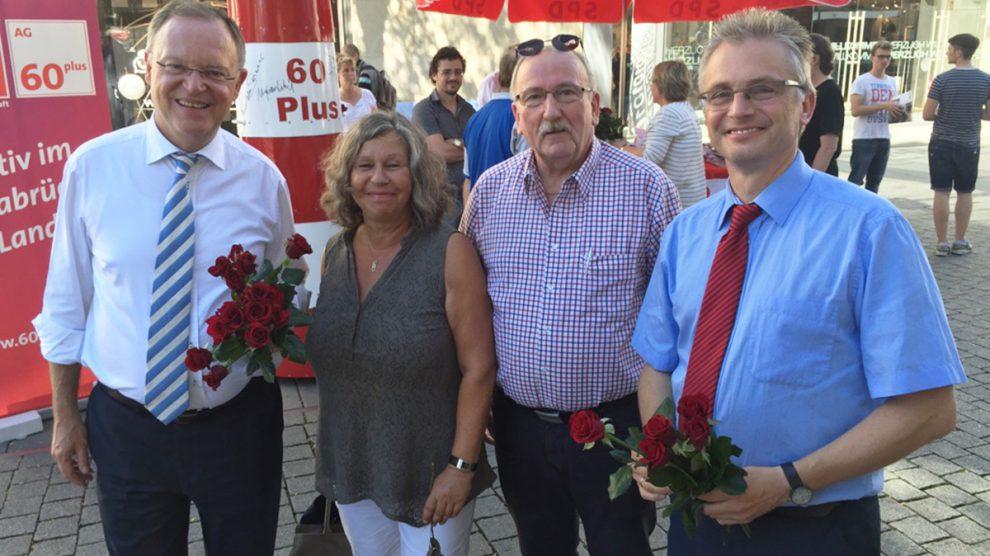 v.l.n.r.: Ministerpräsident Stefan Weil, Ulrike Gering, Heinz Klumpe, MdL Frank Henning. Foto: SPD Wallenhorst