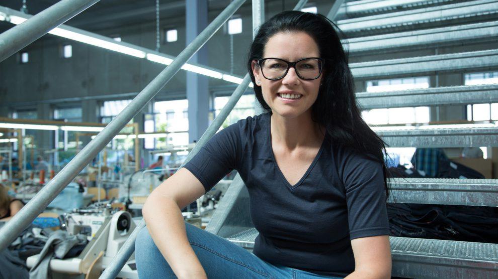 Für ihr ökologisches und soziales Engagement wurde Sina Trinkwalder mit zahlreichen Preisen ausgezeichnet, unter anderem mit dem Bundesverdienstkreuz. Foto: manomama GmbH