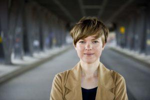 Die gebürtige Wallenhorster Autorin und Journalistin Frauke Lüpke-Narberhaus. Foto: Katharina Tenberge