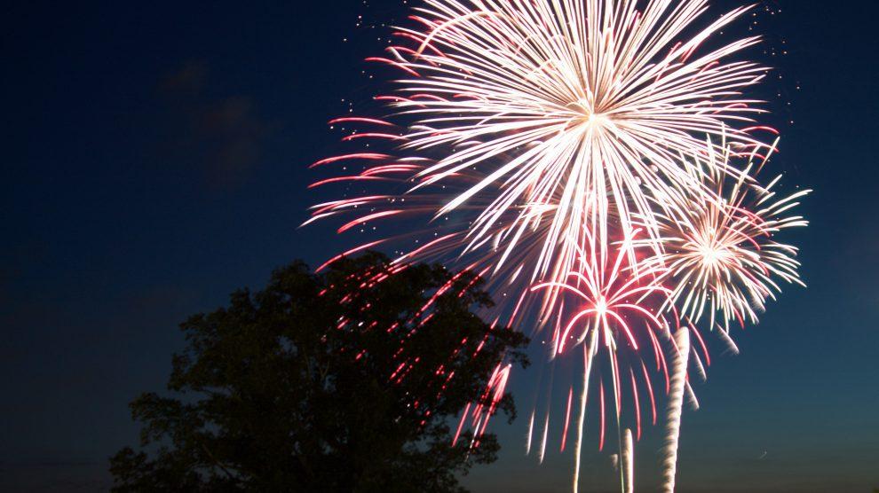 Feuerwerk. Symbolfoto: Pixabay / Rhomphaia