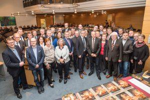Sie lenken in den kommenden fünf Jahren die Geschicke der Gemeinde Wallenhorst: die 35 Mitglieder des neuen Rates. Foto: Gemeinde Wallenhorst / Thomas Remme
