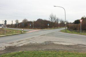Der gefährliche Kreuzungsbereich Ecke Am Pingelstrang / Pyer Kirchweg derzeit. Foto: Wallenhorster.de