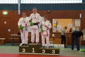 U18: Maylin Timmermann holte mit einer überzeugenden Leistung die Silbermedaille. Foto: Blau-Weiss Hollage Judoabteilung