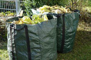 Gartenabfälle gehören auf den Grünplatz in Lechtingen oder Recyclinghof in Wallenhorst. Symbolfoto: Pixabay / Efraimstochter