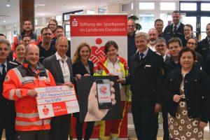 """Partner für schnelle Hilfe im Notfall: Landkreis und Stadt Osnabrück haben gemeinsam mit Hilfsorganisationen und Feuerwehren das Projekt """"Mobile Retter"""" gestartet. Foto: Landkreis Osnabrück/Henning Müller-Detert"""