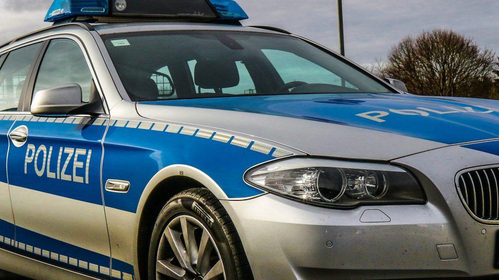 Die Polizei im Einsatz. Symbolfoto: Pixabay / lukasbecker