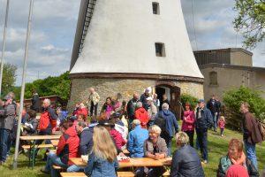 Viele Aktionen erwarten die Besucher beim Mühlentag an der Windmühle in Lechtingen. Foto: Windmühle Lechtingen e.V.