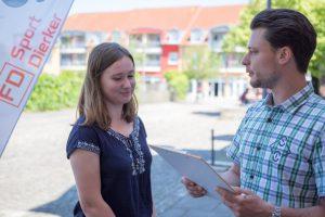 Im Wallenhorster Ortszentrum sowie in Hollage, Lechtingen und Rulle werden die Passanten Anfang August um ihre Meinung zum Einzelhandel gebeten. Foto: André Thöle
