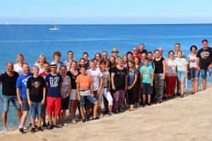 Gruppenbild am Meer. Foto: Volker Hampel