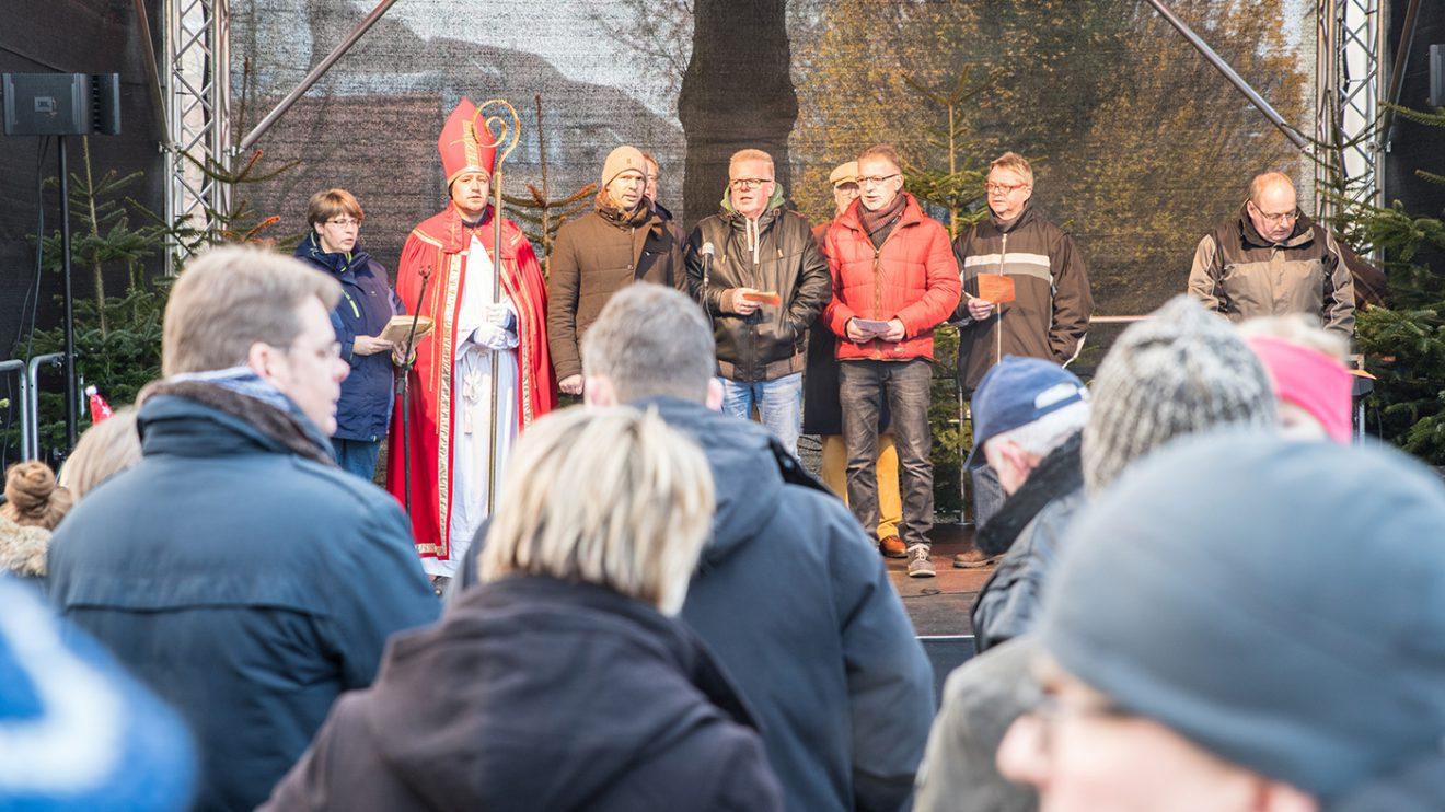 Der Wallenhorster Weihnachtsmarkt der Hanse am ersten Adventswochenende auf dem Kirchplatz. Foto: Thomas Remme