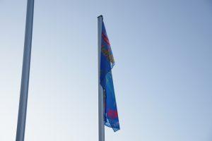 Auch vor dem Wallenhorster Rathaus wird Flagge gezeigt gegen Gewalt. Foto:André Thöle