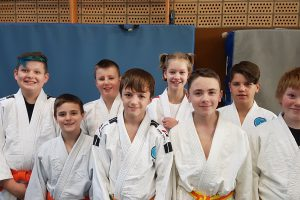 Lutz, Leon, Timon, Niklas, Luca, Adrian, Marwin und Patrick (von links). Foto: Blau-Weiss Hollage