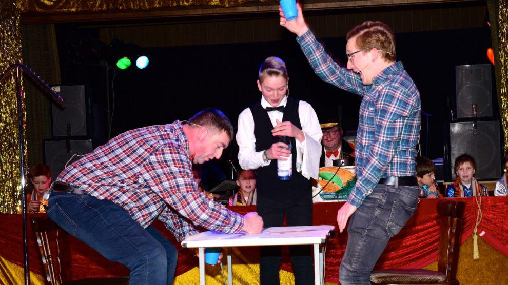 Hörnschemeyer Wallenhorst tanz und spaß beim hollager kolping kinderkarneval wallenhorst aktuell