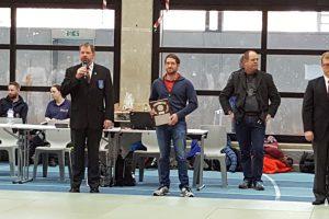 Christopher Bockholt bei der Preisübergabe. Foto: Blau-Weiss Hollage