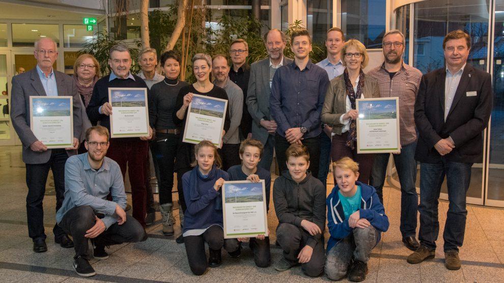 Die Preisträger mit Bürgermeister Otto Steinkamp, Martin Holtgrewe (Naturstrom), Stefan Sprenger und Udo Stangier. Foto:André Thöle