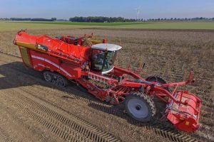 Maschinen für die Landwirtschaft wie den vierreihigen Kartoffelernter Varitron 470 Platinum TT produkziert Grimme in Damme und im Niedersachsenpark. Foto: Grimme Landmaschinenfabrik