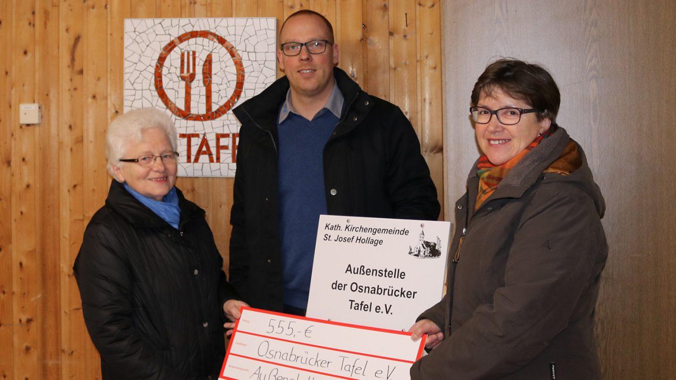 Hedwig Diekmann (ehrenamlt. Helferin), Matthias Lüttschwager (Geschäftsführer ML Reifen GmbH), Brigitte Goldkamp (ehrenamtl. Leitung der Tafelaußenstelle). Foto: ML Reifen
