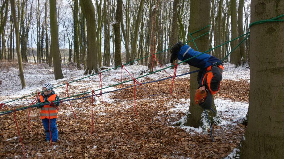 """""""Sport und Spiel im Wald"""" läuft als Kurs immer dienstags über Blau-Weiss Hollage. Foto: BWH"""