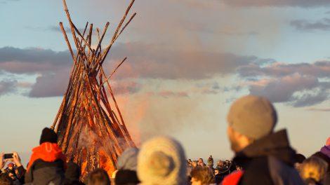 20 Brauchtumsfeuer laden am Ostersonntag wieder in Wallenhorst und allen Ortsteilen ein. Eine Übersicht aller Osterfeuer 2018. Symbolfoto: Pixabay /JuliaBoldt