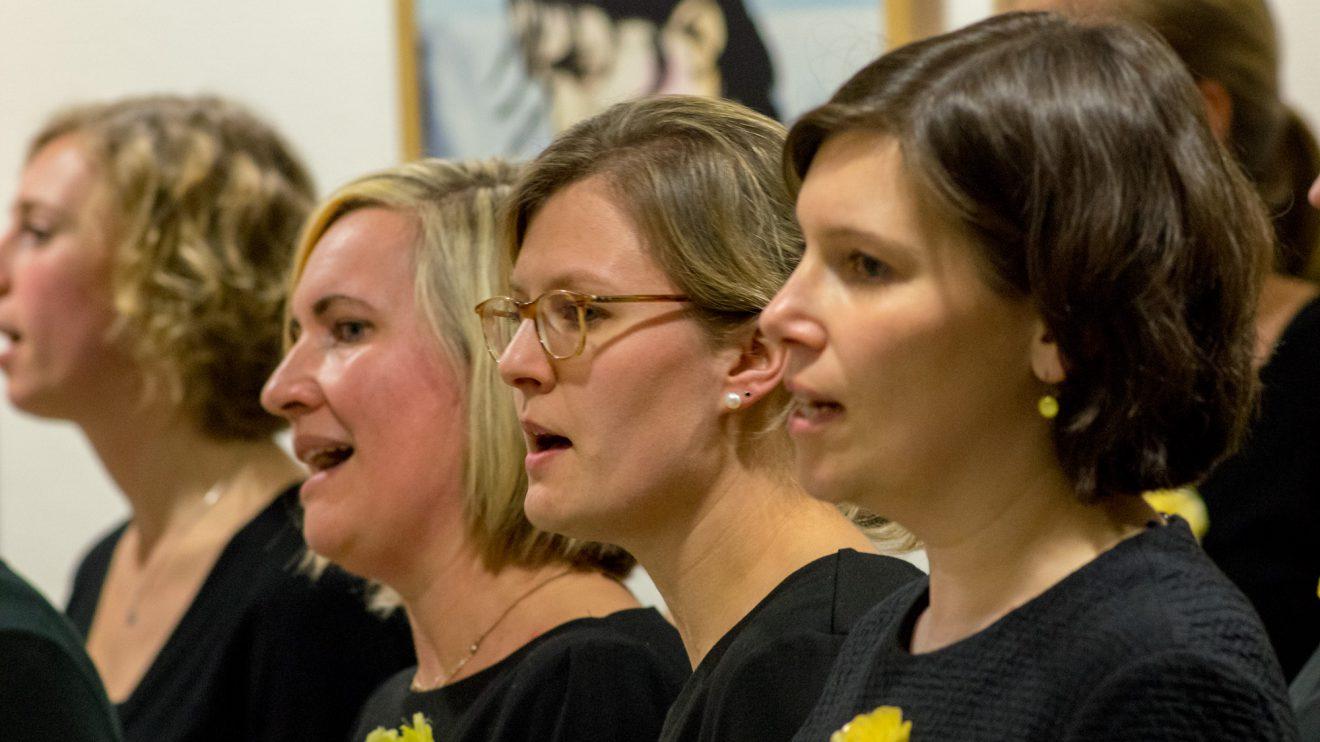 """""""Yellow"""" begeistern mit stimmungsvollen Gospel- und Popsongs. Foto:André Thöle"""