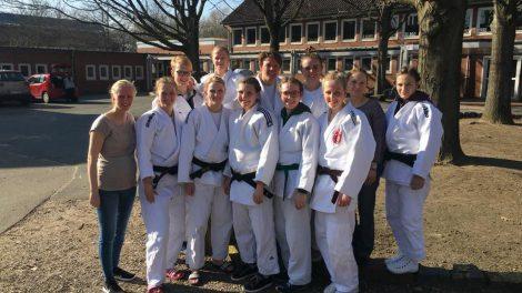 Das Judo-Team aus Hollage der Landesliga der Frauen. Foto: Blau-Weiss Hollage