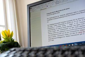 Eine Computer-AG für Menschen ab 50 Jahren bietet der Seniorenbeirat gemeinsam mit der LEB an. Foto:André Thöle