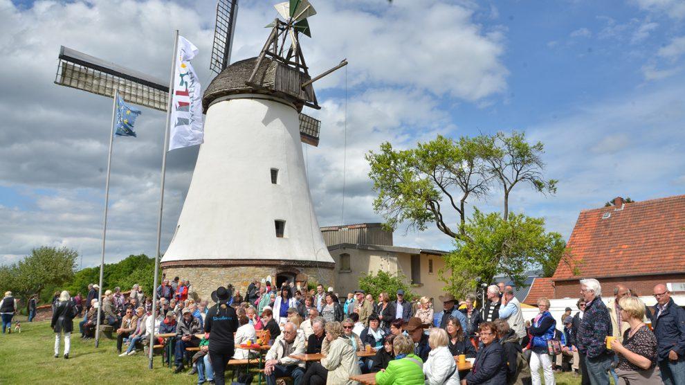 Am Pfingstmontag findetdie zentrale Eröffnungsveranstaltung für den 25. Deutschen Mühlentagan der Lechtinger Windmühle in Wallenhorst statt. Foto:Windmühle Lechtingen e.V.