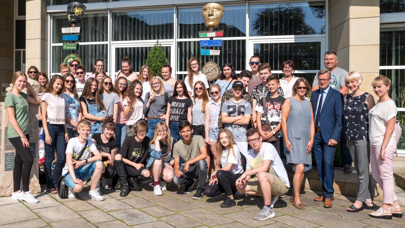 Gruppenfoto vor dem Rathaus. Foto:Thomas Remme