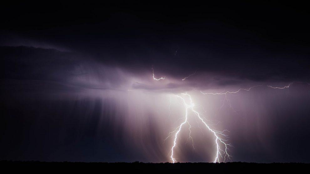 Es ist mit Gewittern in Wallenhorst und Umgebung zu rechnen. Symbolfoto: Pixabay / Free-Photos