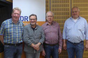 Wilhelm Vorgerd, Jens Krause, Peter Franke und Franz-Josef Landwehr vom Männergesangverein Gemütlichkeit Hollage aus Wallenhorst bei der NDR1 Plattenkiste. Foto: NDR