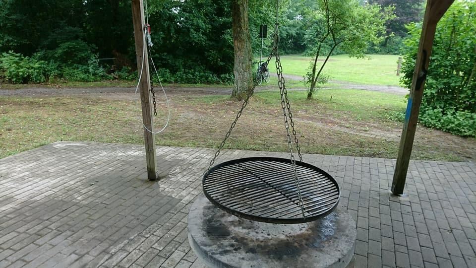 Die Wallenhorster Messdiener haben den Mehrgenerationenplatz im Bürgerpark wieder deutlich aufgewertet. Foto: Wallenhorster Messdiener