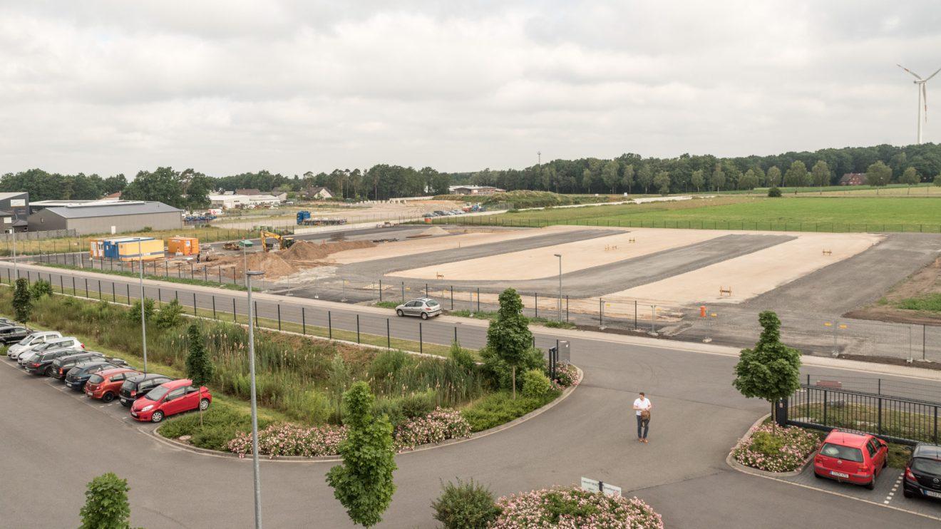 Am Hullerweg entstehen auf 5.000 Quadratmetern ein neues Hochregallager sowie 500 Quadratmeter Bürofläche. Foto: Thomas Remme