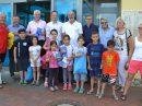 Kinder sowie Kooperationspartner freuen sich über das gelungene Projekt. Foto: Stadt Bramsche