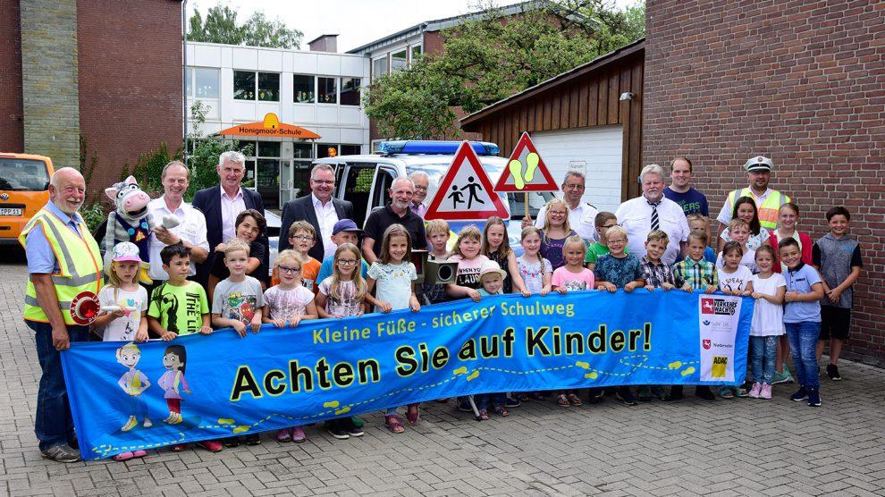 Zu Schuljahresbeginn führt der Landkreis Osnabrück zahlreiche Geschwindigkeitsmessungen im Umfeld von Schulen durch. Kontrollen wird es auch bei der Honigmoor-Grundschule in Bramsche-Epe geben. Foto: Landkreis Osnabrück/Hermann Pentermann