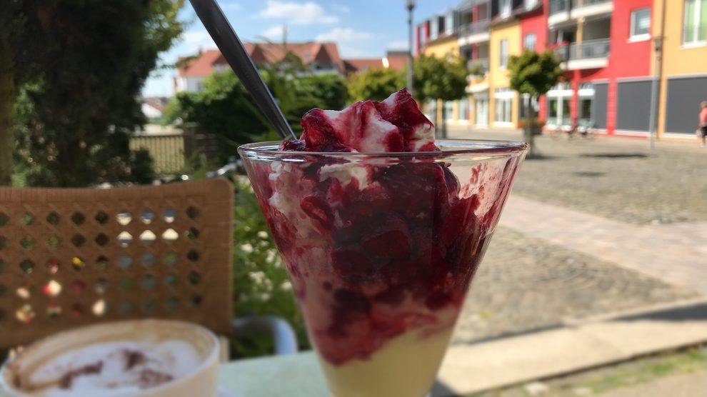 Nicht nur leckeres Eis kann man am Sonntag, 12. August, im Wallenhorster Zentrum genießen. Der verkaufsoffene Sonntag und das Kinder- und Familienfest sorgen für viele Highlights. Foto: Wallenhorster.de
