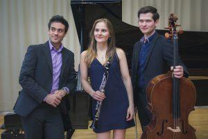 v.l. Marco Sanna, Esther Deborah Sinka und Leonard Rees geben ein Kammerkonzert im Ruller Haus. Foto: Thomas Petit