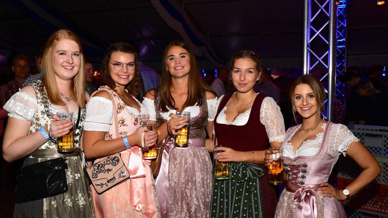 Kräftig gefeiert wurde auf dem 18. Hollager Oktoberfest auch am Samstag, 27. Oktober 2018. Foto: Kolpingsfamilie Hollage