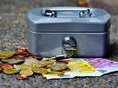 Wenn die Technik nicht mitspielt, benötigt man wie aktuell in einem Wallenhorster Verbrauchermarkt Bargeld. Symbolfoto: Pixabay / Alexas_Fotos