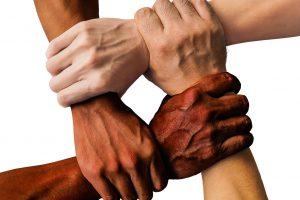 """""""Hand in Hand – Wir helfen"""" aus Wallenhorst sucht neue Mitstreiter. Symbolfoto: Pixabay /truthseeker08"""