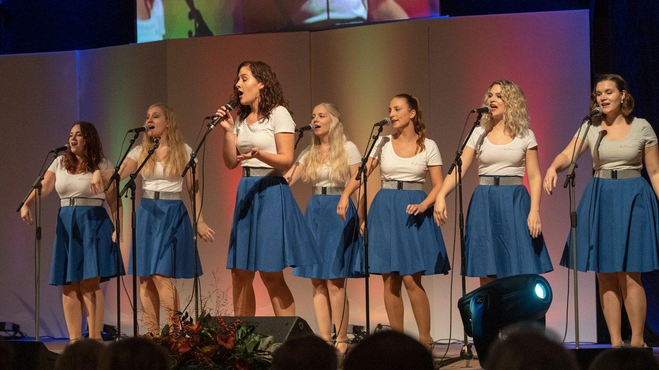 Die Nightingales begeistern mit ihrem abwechselnd gesungenen Medley. Foto: Thomas Remme