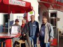 Ehrenamtlich Engagierte werben für den BürgerBus Wallenhorst-Wersen, der im Sommer 2019 als Linienbus starten könnte. Foto: Marion Müssen