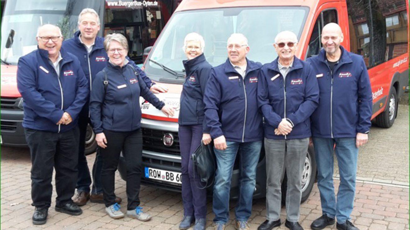 So wird der neue Bus für Wallenhorst aussehen, stolz präsentiert vom BürgerBus-Team. Foto: BürgerBus-Verein Wallenhorst-Wersen