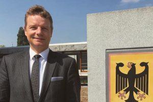 Jens Beeck vor dem Bundesverfassungsgericht in Karlsruhe. Foto: Büro Jens Beeck