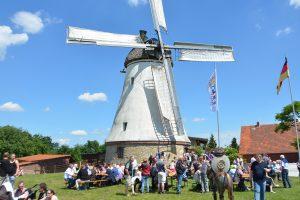 Immer einen Besuch wert: Die Windmühle in Lechtingen, hier beim Mühlentag 2018. Foto:Windmühle Lechtingen e.V.