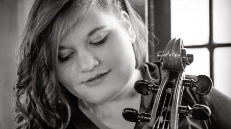 Die Nachwuchscellistin Sophie-Charlotte aus Georgsmarienhütte kommt ins Ruller Haus. Foto: T. Rees