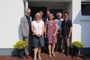 Superintendent Dr. Jeska, Antje Marotz, Bürgermeister Steinkamp, Rüdiger Mittmann, Bärbel Harder, Architekt Riepenhoff, Pastor Meyer-Stiens. Foto: Petra Jeska