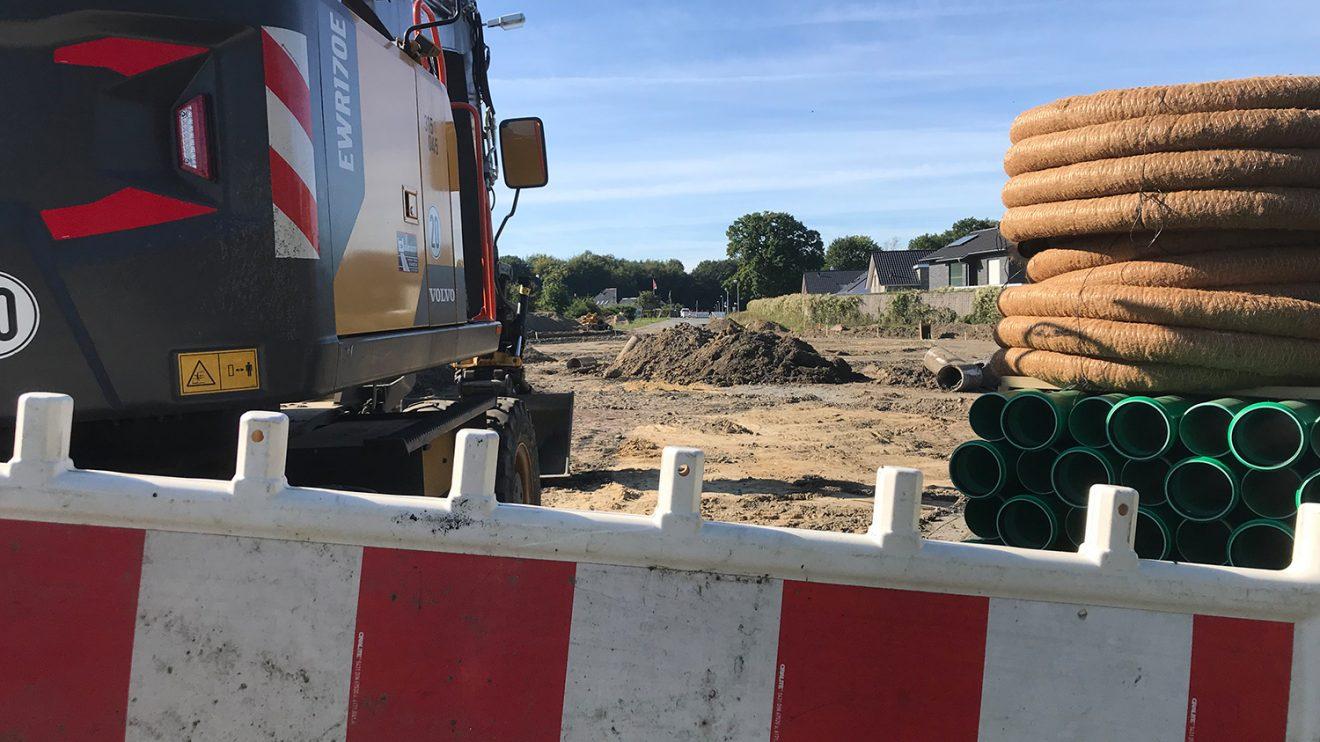 Rund geht es im wahrsten Sinne des Wortes derzeit in Hollage-Ost für den Bau eines neuen Kreisels. Foto: Rothermundt / Wallenhorster.de