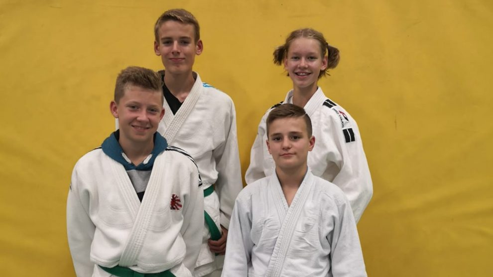 Nikita, Joel, Leon und Luca (v.l.) beim Teufel Turnier. Foto: Blau-Weiss Hollage